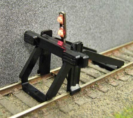 Gaugemaster GM55 Buffer Stop OO Scale with Light