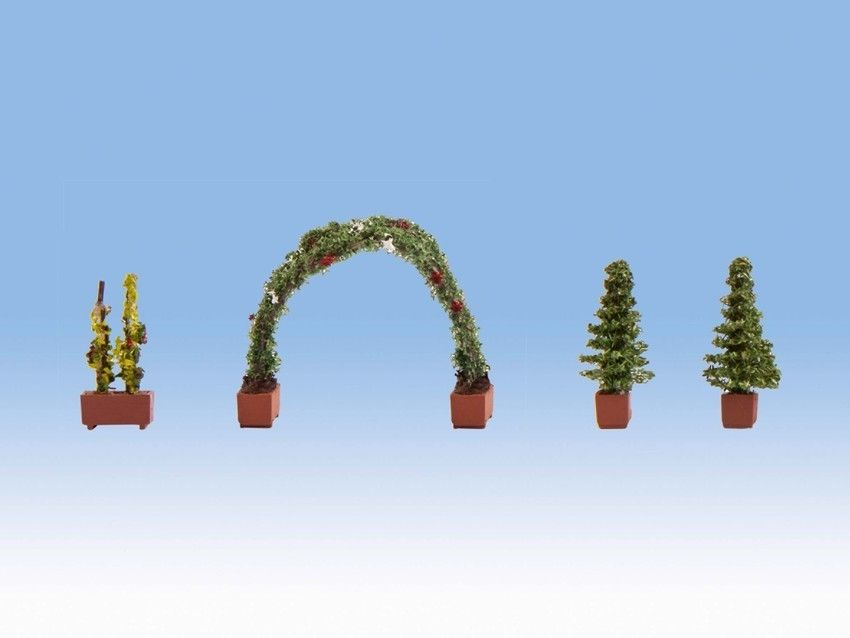 Noch 14022 Ornamental Rose Arch & Conifers (Pack of 4) - OO / HO