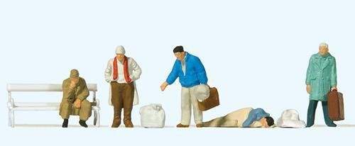 Preiser 14119 In Front Of The Station Figures (Pack of 6)